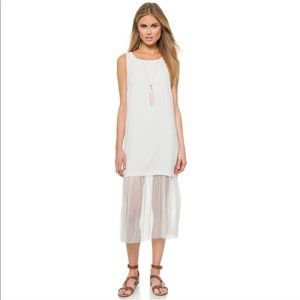 New Elizabeth and James Kisa White Dress Pleated M